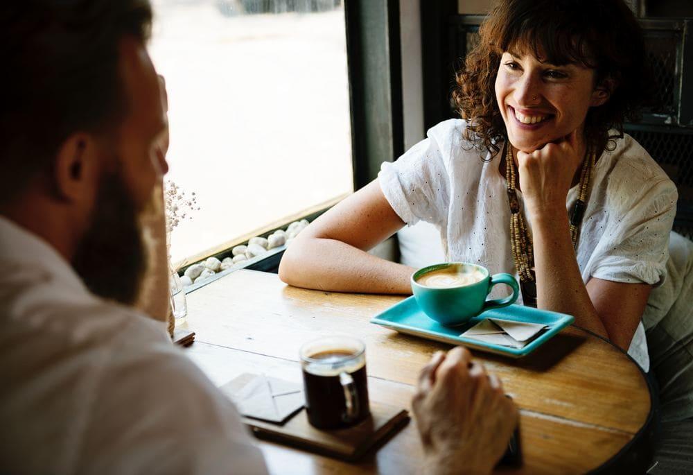 Führt tiefgreifende Gespräche