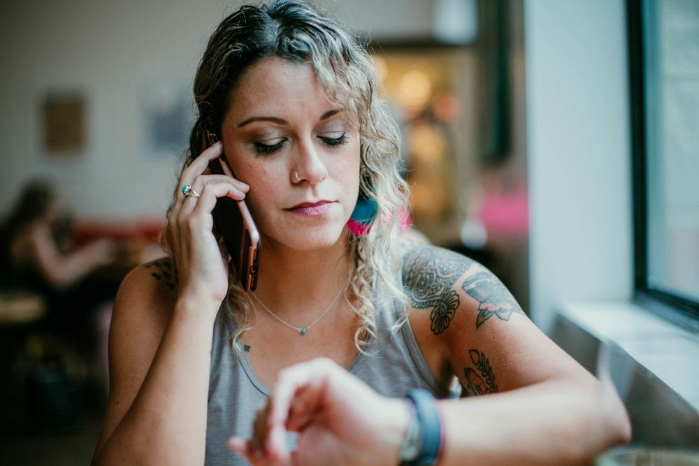 Fernbeziehung Kontakt Telefonieren Skype Nähe Distanz PSY-ON Psychologie Beratung Bild
