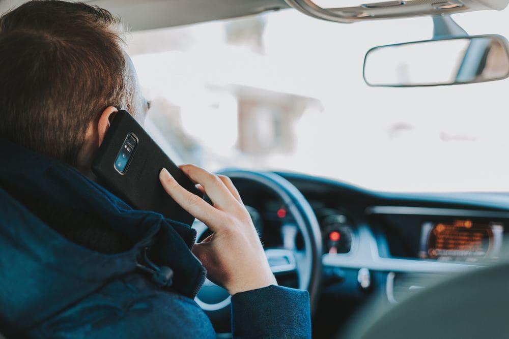 Kontakt Fernbeziehung Nähe Distanz PSY-ON Psychologie Beratung Skype Telefonieren Bild